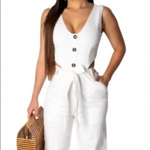 Casual Sleeveless Plung Jumpsuit with Belt
